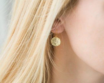 Gold Disc Earrings, Gold Hammered Disk Drop Earrings, Mothers Day Gift, Gift for Mom, Grandma Gift, Everyday Earrings, Wife, Girlfriend gift