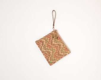 Clutch type bag in toasted, green and orange tones, sizes 28 x19 cm. available with or without strap.