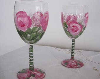 On Sale Wine Glasses hand painted Roses green leafes great gift for Mom Wife girlfriend Housewarming Birthday Bridal Valentines day Teacher