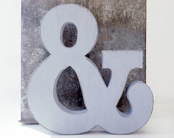 Letter and number in wood MODERN STYLE