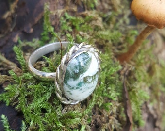 925 silver ring with moss agate