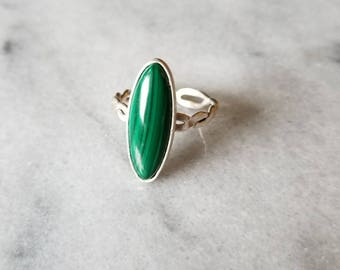 Sterling silver twisted double band malachite ring, size 8, open band ring.