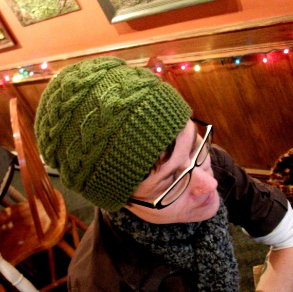 KNITTING PATTERN // PDF instant download // worsted weight yarn hat with horizontal cables // Clodagh