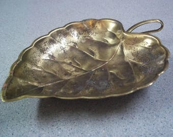 Brass Leaf, made by Modern Brass, Vintage, 1970s, Ashtray, Soap Dish, Trinket dish, Jewelry catch-all, Collectible, Home Decor, Brass,