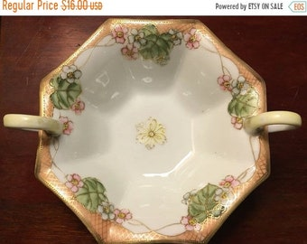 SUMMER CLEARANCE Nippon Porcelain Moriage Nut Candy Dish by Morimura Brothers // Hand-Painted Floral Gold Detailing // Collectibles // 1920s