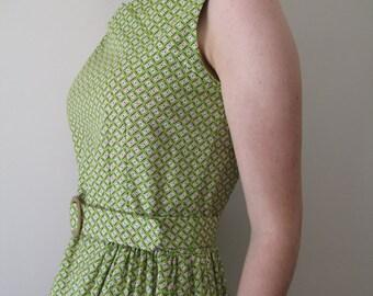 SALE 1950s vintage-style green sundress