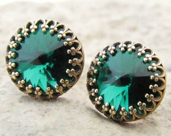 Emerald Green Stud Earrings, Round Green Studs, Swarovski Crystals, Rhinestone Earrings, Emerald Green Jewelry, Bridesmaid Jewelry Gift