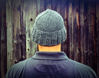 Gray hand knit men's hat