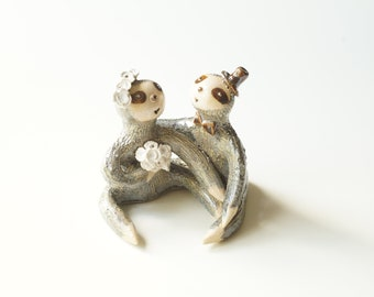 Slouth Couple, Wedding Cake Topper, Miniature Sloth, Sloth Sculpture, Cake Topper by Her Moments