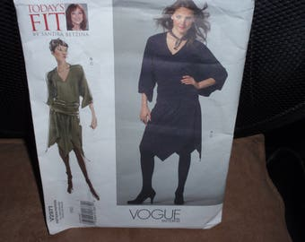 Vogue 2977 Misses Dress Todays Fit by Sandra Betzina    All Sizes 6 to 26   Bust 32 to 55    Waist 26 to 50  Hip 34 to 57