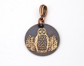 Small copper owl pendant, round etched bird jewelry, 22mm