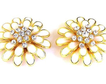 2 gorgeous cream and gold 2 hole slider beads, large off white daisy floral beads, 30mm