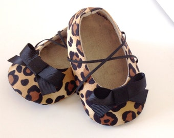 Baby Girl Shoes. Toddler Girl Shoes. Leopard Baby Shoes. Cheetah Baby Booties. Baby Shoes. Baby Booties. Fabric Baby Shoes. Shoes Baby