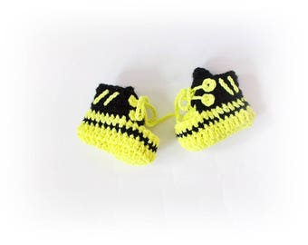 Baby sneakres Crochet baby shoes Baby boots Newborn shoes First shoes Coming home Convers Baby gift Yeezy sneakers boots Baby shower gift