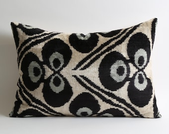 velvet ikat pillow, silk, handmade, pillows, cushion, velvet pillow cover, toss pillow, pillow covers, ikat velvet, silk pillow, sofa pillow