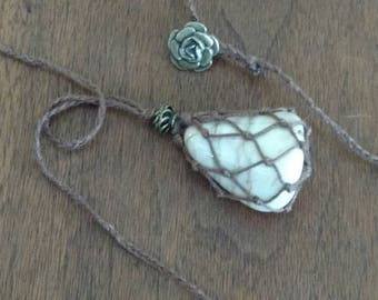 Netted White Agate Necklace (N1205)