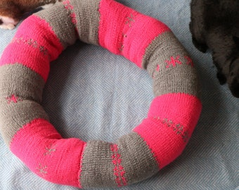 Large Hand-knitted Ugli Donut