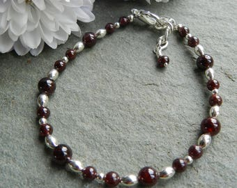 Garnet Bracelet, Red Garnet Bracelet, Garnet Beaded Bracelet, Birthday Gift, Anniversary Gift, Bridesmaid