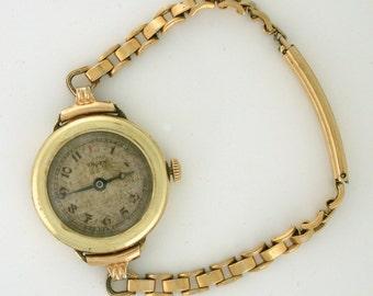 Ladies Watch 1919 Gruen 7 Jewels 14k watch with tiny band for the dainty wrist! WAT10001