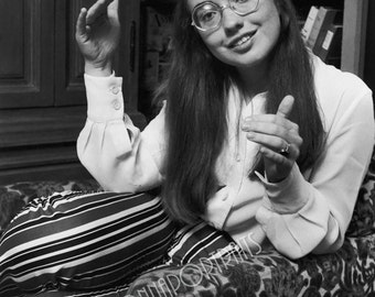 HILLARY CLINTON 5x7 or 8x10 Photo Print Hollywood 1970s College Student Former First Lady,  Vintage Golden Age of Hollywood Portrait