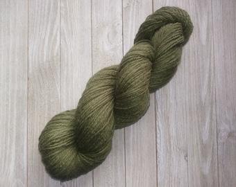 Jumbo Dark green DK weight wool yarn