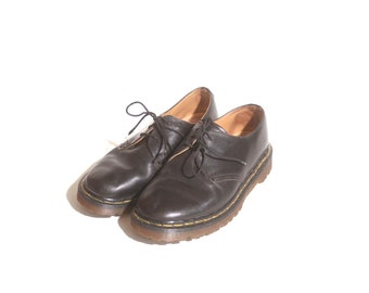Vintage 1990s Black Low Top Women's Dr Martens Leather Shoes Classic Made In England The Original Eyelet Lace up Oxfords Size 5