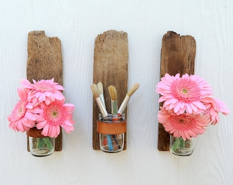 Bottoms Up mason jar sconce, rustic reclaimed wood fence picket wall decoration, can be rotated 180 degrees