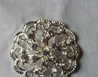 vintage silver tone brooch great Christmas gift