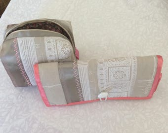 Makeup bag (Pink blush) with matching jewellery roll.