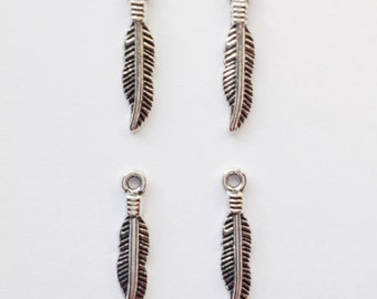 10 feather charms - SCF119