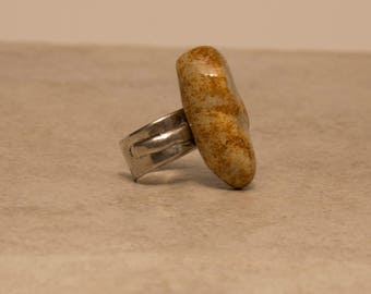 Silver adjustable ring w. high fired porcelain stone