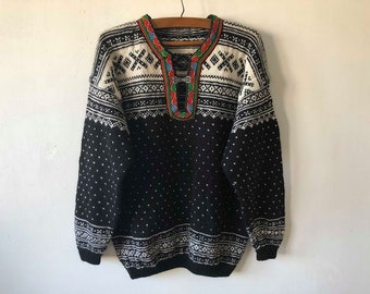 Black Nordic Sweater Wool Norwegian Design Winter Pullover Hook Closure Jumper Classics Sweater Knitted Size Large Warm Wool Winter Jumper