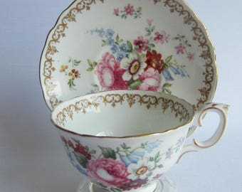 Crown Staffordshire ENGLANDS BOUQUET F15831 Bone China Tea Cup and Saucer - Made in England