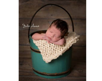 Chunky Posing Blanket - Knit Layering Bump Blanket - Reversible Newborn Photography Props - 16 Colors