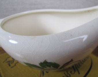 Small Porcelain Gravy Boat - Grape Leaf