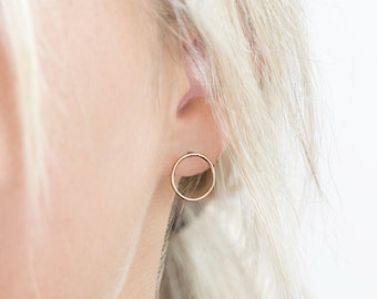 Open Circle Stud Earrings, 14k Gold Filled Earring or Sterling Silver / Simple Everyday Earrings / PIROUETTE Studs by Layered and Long LE404