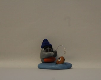 """Statue= Penguin """"Ice fishing"""" -Polymer Clay-"""