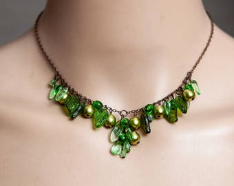 Green orchard necklace