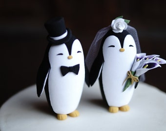 PENGUIN Wedding Cake Topper - With Lilly bouquet for the bride - Handmade cake topper, Animal cake topper, Unique wedding cake topper