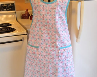Grandma Vintage Style Women's Full Apron in Pink and Aqua Floral