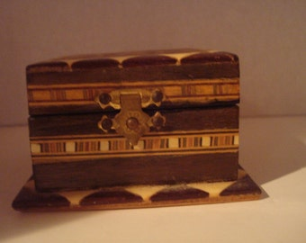 Wooden inlaid box