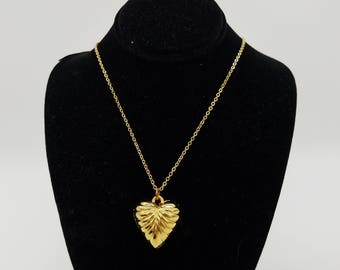 """Old Stock Vintage Gold Tone Puffed Heart Pendant Necklace - 18"""""""