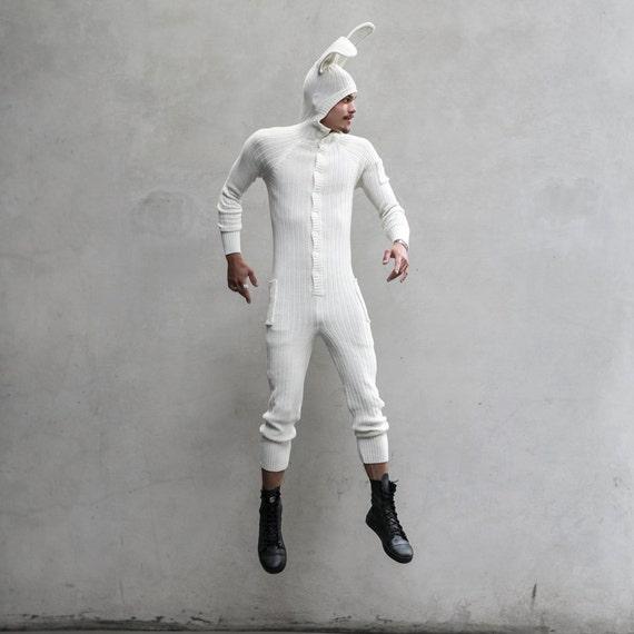 白いウサギの成熟した女性