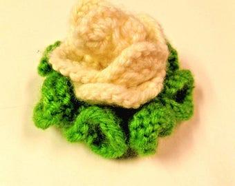 Rose Knit Pin/Burette in Cream Color 2