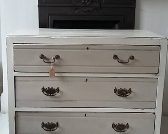 Antique, Edwardian chest of drawers