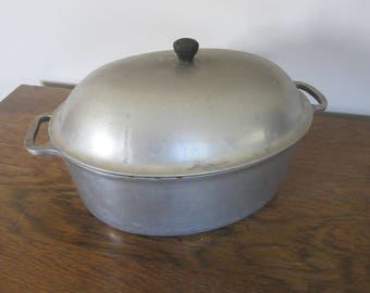 Majestic Cookeware, cast aluminum oval roaster with lid, farmhouse kitchen, oval roasting pan, vintage cookware, roaster with lid,