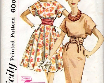 """1950s Women's Dress with Circle or Slim Skirt Pattern- Size 14, Bust 34"""" - Simplicity 3396"""