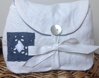 Kit made from old linen ecru and grey, small monogram: