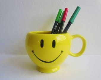 Vintage Yellow Smiley Face Coffee Mug - Large Smiley Face Coffee Mug Made by Teleflora Gift - Soup Bowl - Planter - 70s Happy Face