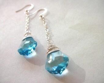 Blue Swarovski Kristall Ohrringe - Draht gewickelt blau Kristall Ohrringe - Wedding, Bridal, Brautjungfern, Aquamarin Ohrringe